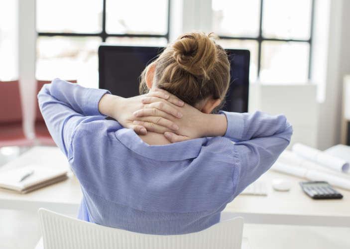 Ungesunde Körperhaltung am Computer